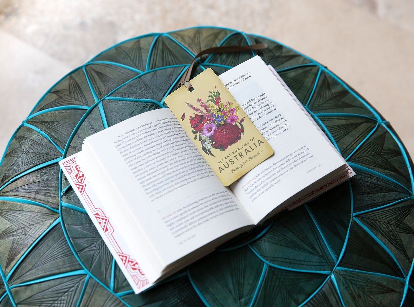 vintage-emblems-bookmark-2